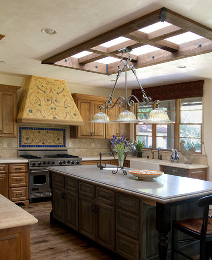 Traditional Kitchen by Francis Garcia Architect