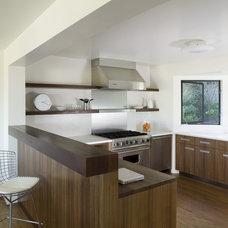 Modern  by Cary Bernstein Architect