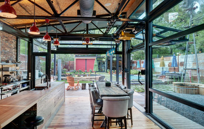 Houzz Tour: A Playful New Home With Restaurant Style