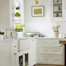 Traditional Kitchen by Casa di Aria Remodel Consulting