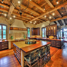 Traditional Kitchen by Braswell Architecture, Inc.