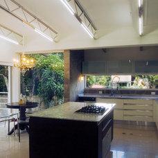 Traditional Kitchen by BBH design Studio