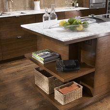 Contemporary Kitchen by Casa Verde Design