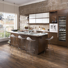 contemporary kitchen by Casa Verde Design