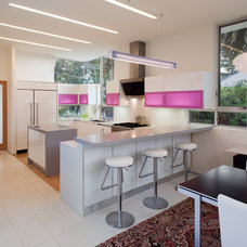 Contemporary Kitchen by Architect  Heather Johnston