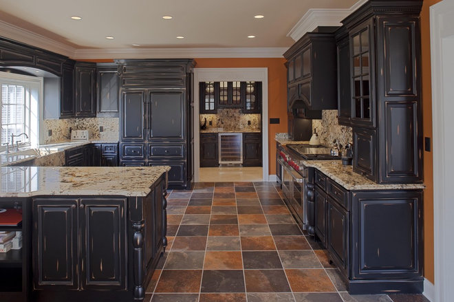 Traditional Kitchen by Case Design/Remodeling, Inc.