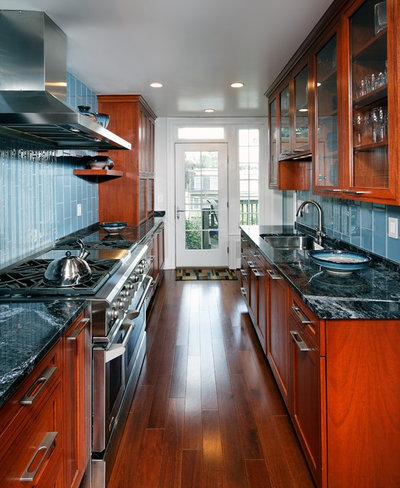 Kitchen layouts a vote for the good old galley for Kitchen ideas galley style