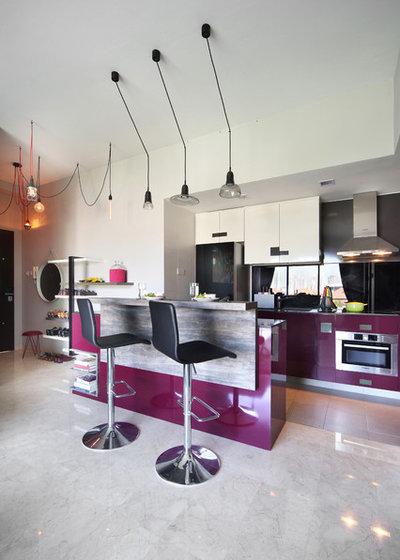 Modern Kitchen by Versaform