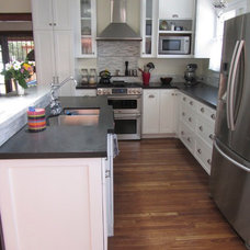Traditional Kitchen by STILLSON GENERAL CONTRACT