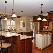 Traditional Kitchen by Design Evolutions