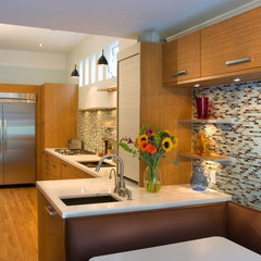 modern kitchen by BMF CONSTRUCTION
