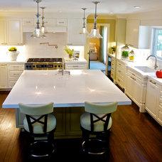 Traditional Kitchen by van zee design interiors