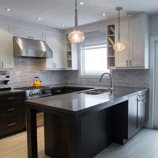 Transitional Kitchen by BiglarKinyan Design Planning Inc.