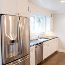 Beach Style Kitchen by Sweenor Builders Incorporated