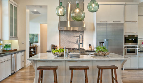 Kitchen Island Stools and Pendants That Pair Up Perfectly