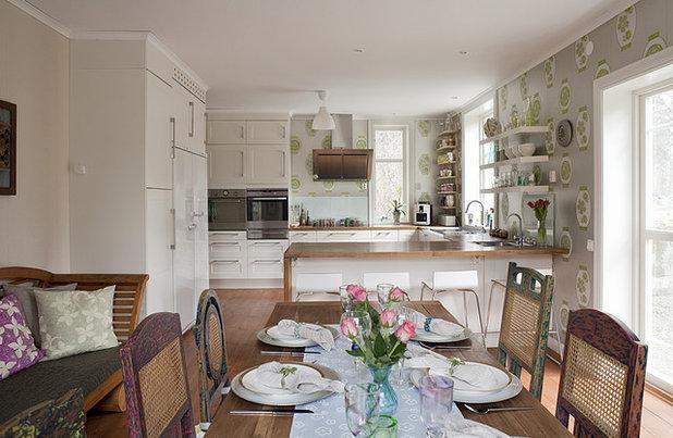 Eclectic Kitchen by Fotograf Lisbet Spörndly