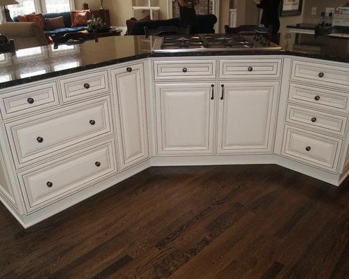 Refinished Kitchens - Painted, Glazed, Antiqued & Custom Stained Finishes