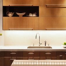Modern Kitchen by CCS ARCHITECTURE