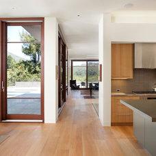 Modern Kitchen by Kasten Builders
