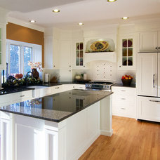 Traditional Kitchen by WoodHouse Designs