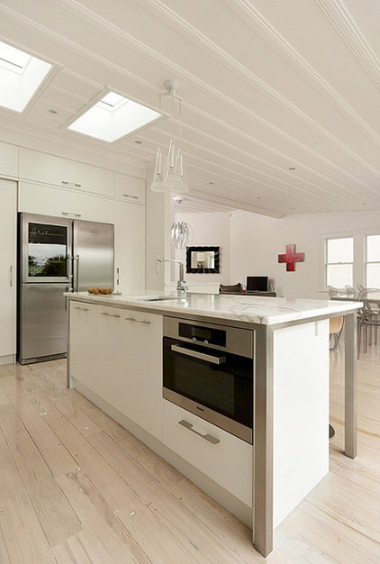 Contemporary Kitchen by Celia Visser Design Ltd