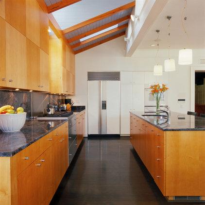 Modern Kitchen by Van Dusen Architects