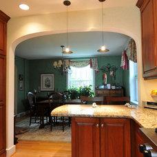 Modern Kitchen by Riggs Construction & Design