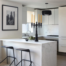 Modern Kitchen by Magdalena Keck Interior Design