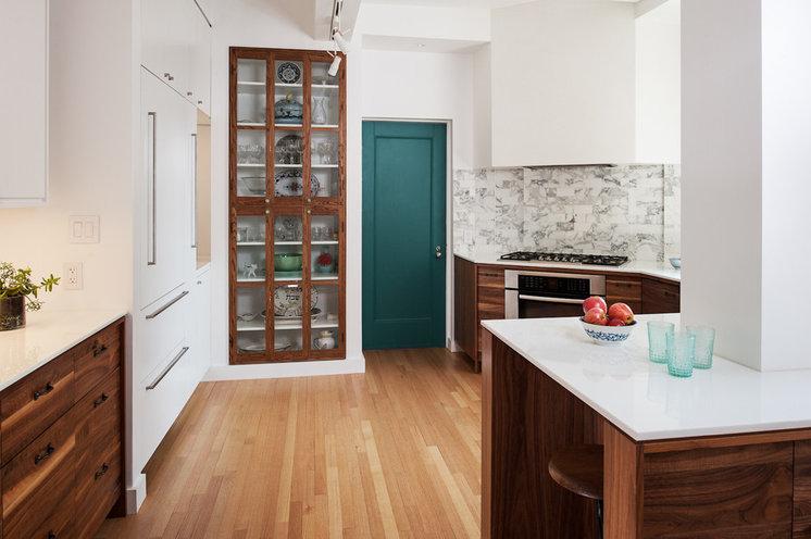 Modern Kitchen by Frame Design Lab