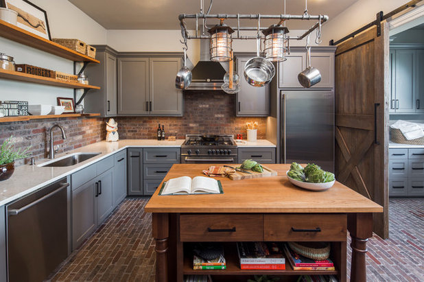 New This Week: 2 Charming Farmhouse Kitchens With Modern