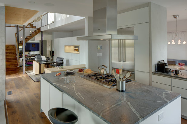 Kitchen by Cesar NYC Kitchens
