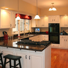 Traditional Kitchen by Pro Refinish