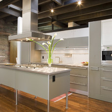 Modern Kitchen by Sandvold Blanda Architecture + Interiors LLC