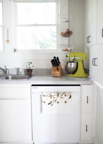 Traditional Kitchen by Jennifer Young