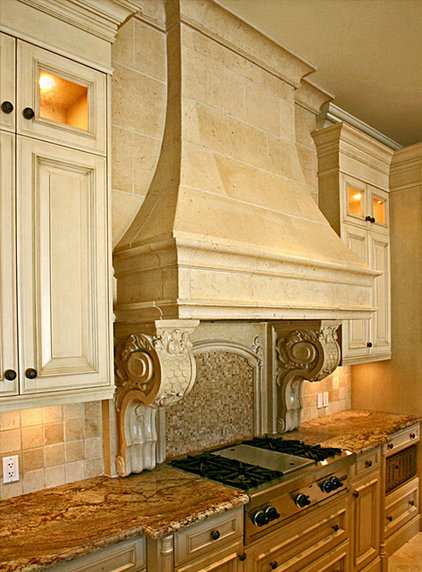 Mediterranean Kitchen by Tartaruga Design inc.
