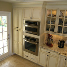 Traditional Kitchen by Schoeman Enterprises, Inc