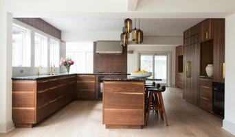 Chappaqua Warm and Modern Family Home