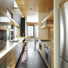 Contemporary Kitchen by Charles Debbas Architecture