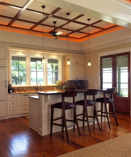 Traditional Kitchen by Phillip W Smith General Contractor, Inc.