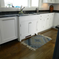 Beach Style Kitchen by Heartwood Cabinetry, Inc.