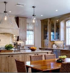 traditional kitchen by Erika Bierman Photography