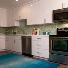 Contemporary Kitchen by Charmean Neithart Interiors, LLC.