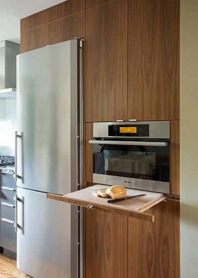 Modern Kitchen by Adams + Beasley Associates