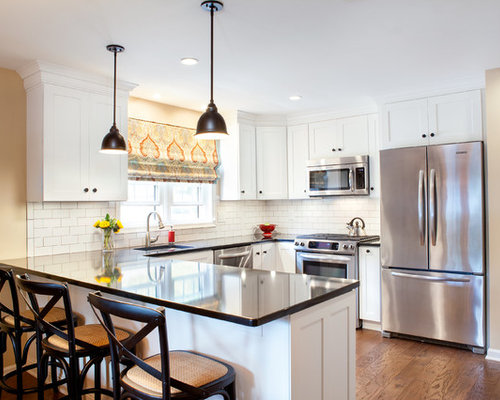 Small traditional eat in kitchen design ideas remodel for Small eat in kitchen designs