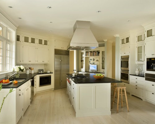 Linen white cabinets design ideas remodel pictures houzz for Benjamin moore linen white kitchen cabinets