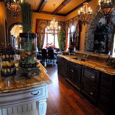 Mediterranean Kitchen by MJS Inc. Custom Home Designs
