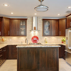 Traditional Kitchen by MLM INCORPORATED