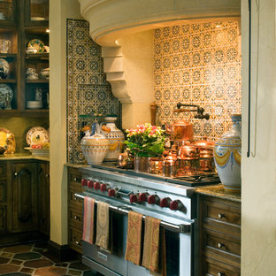 Traditional kitchen remodeling - Example of a classic kitchen design in Minneapolis with stainless steel appliances