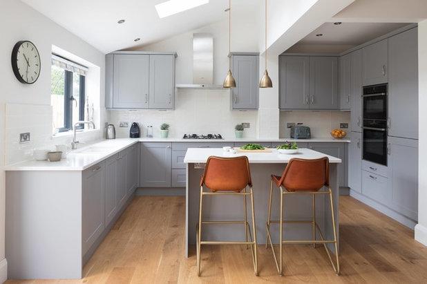Transitional Kitchen by Masterclass Kitchens