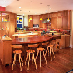 traditional kitchen by SSArchitects